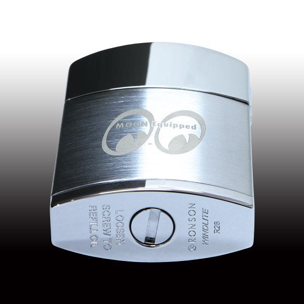 【MOON EYES】MOONEYES 經典防風彈蓋煤油打火機 銀色款髮絲紋logo蝕刻| Webike摩托百貨