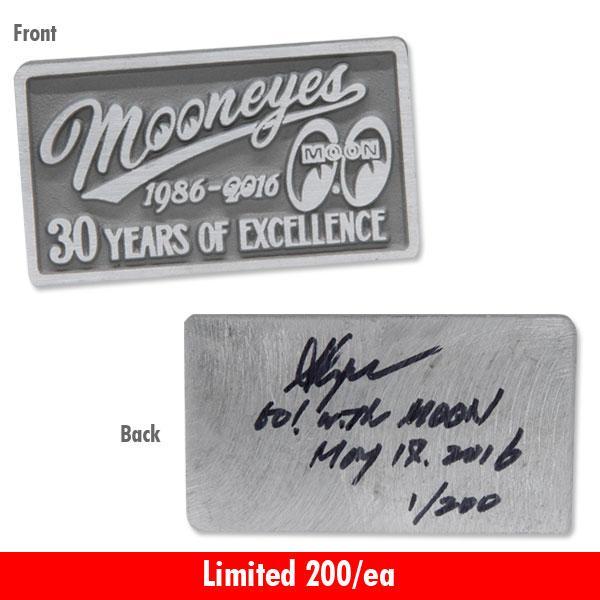 【MOON EYES】30周年 MOONEYES 30th Years Plaque 雷刻匾額| Webike摩托百貨