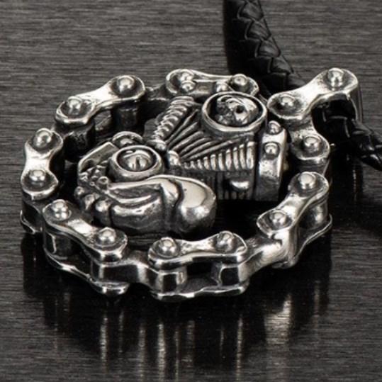 【Louis】【Louis *Engine Block* Necklace】騎士風格項鍊| Webike摩托百貨